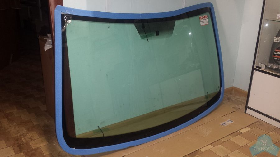 Купить лобовое стекло на ауди-100 с3